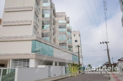 Apartamento com vista mar, bem localizado.