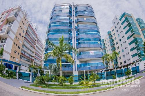 Apartamento com vista para o mar, de alto padrão.